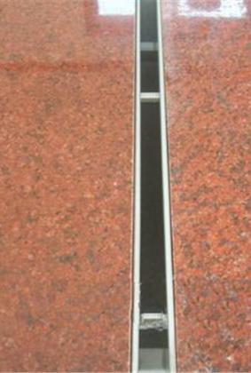 缝隙式排水沟